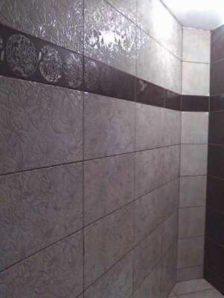 Стена, облицованная плиткой
