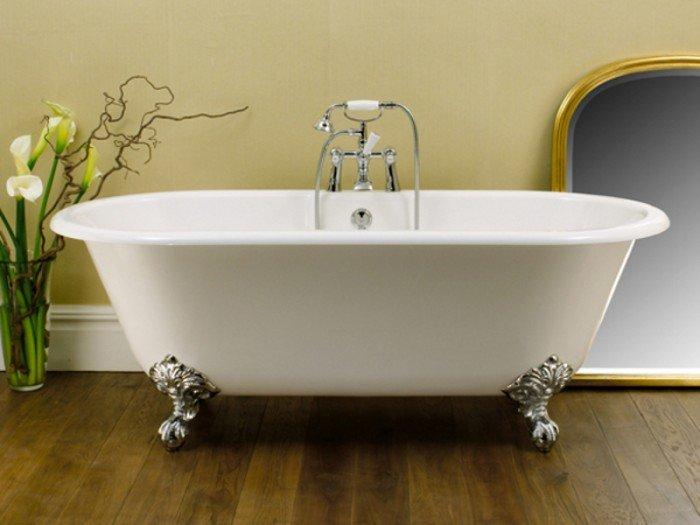 Ванна для интерьера в стиле прованс обязательно должна быть выполнена в старинном дизайне