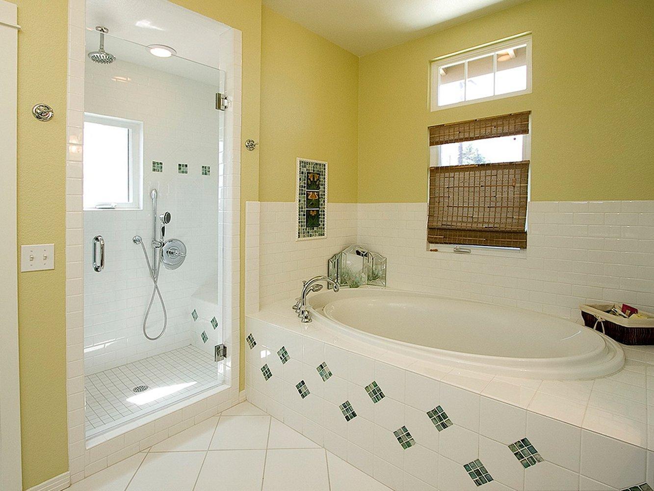 Как визуально увеличить маленькую ванную комнату?