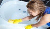 Чем чистить акриловую ванну?