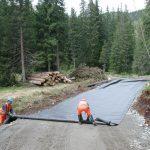 Использование геотекстиля для укладки дорог