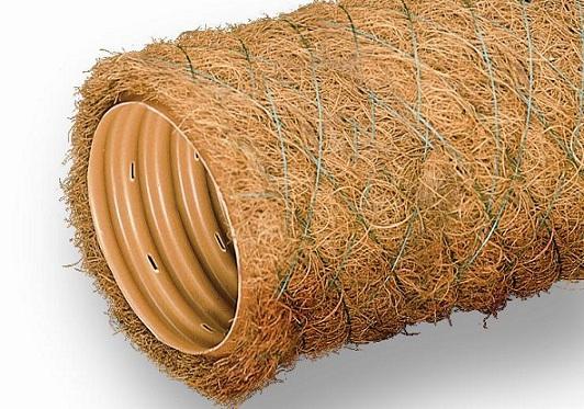 Кокосовый фильтр на пластиковые дренажные трубы