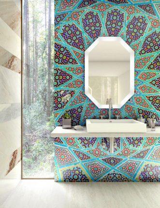 Плитка мозаика в ванной с интересным орнаментом