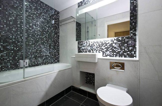 Черно-белая плитка мозаика в ванной