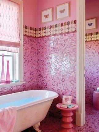 Плитка мозаика в ванной в розовых цветах