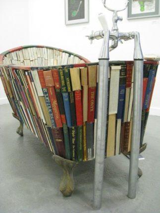 Ванна из книг