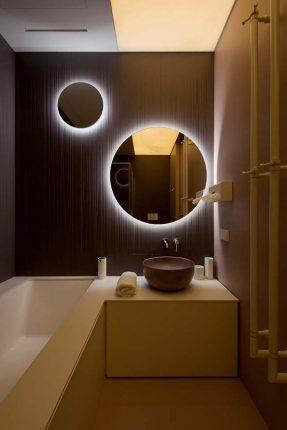 Подсветка зеркал в ванной комнате