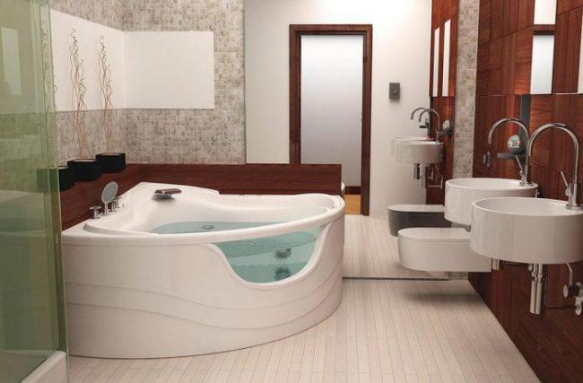 Угловая ванна с прозрачной вставкой