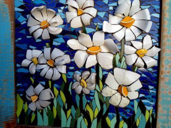 Картина из битой керамики