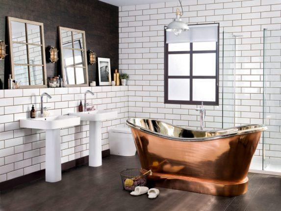 бюджетный дизайн ванной комнаты с необычной ванной