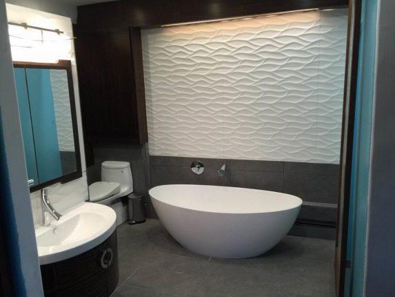 Плитка с объёмным рисунком в ванной комнате