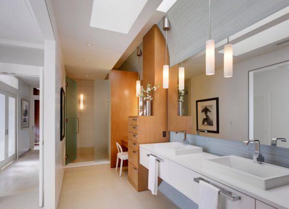 Освещение в современной ванной комнате