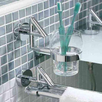 Красивый стаканчик для зубных щёток
