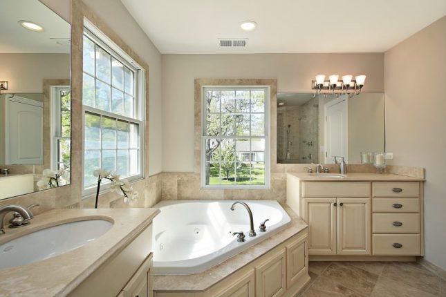 Дизайн ванной комнаты в бежевых тонах