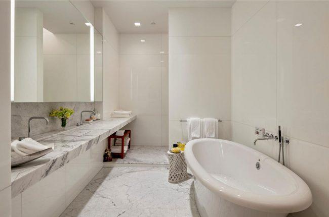 Искусственный мрамор в интерьере ванной