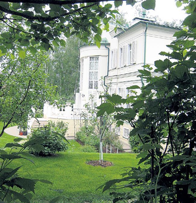 Квартира и загородный дом Леонида Якубовича