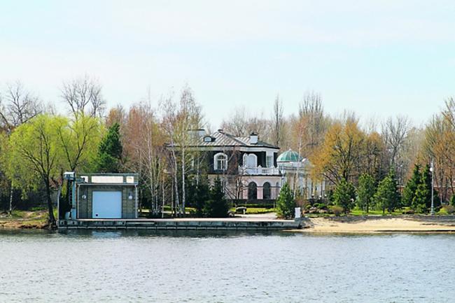 Где живет Петр Порошенко?
