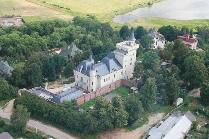 Роскошный «Замок» Аллы Пугачевой и Максима Галкина