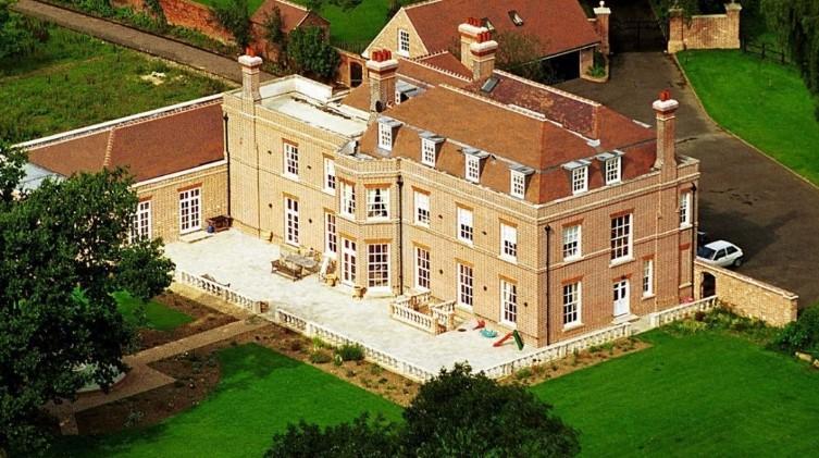 Роскошные дворцы Виктории и Дэвида Бекхэм