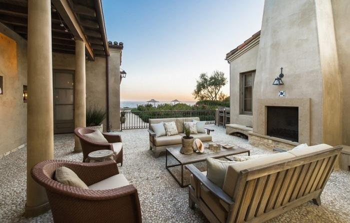 Калифорнийский дом Леди Гаги: здесь есть все, даже боулинг