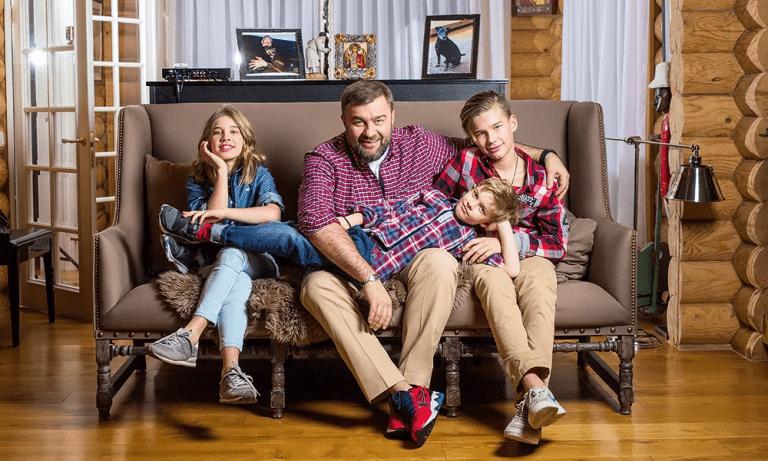 Бревенчатая изба Михаила Пореченкова