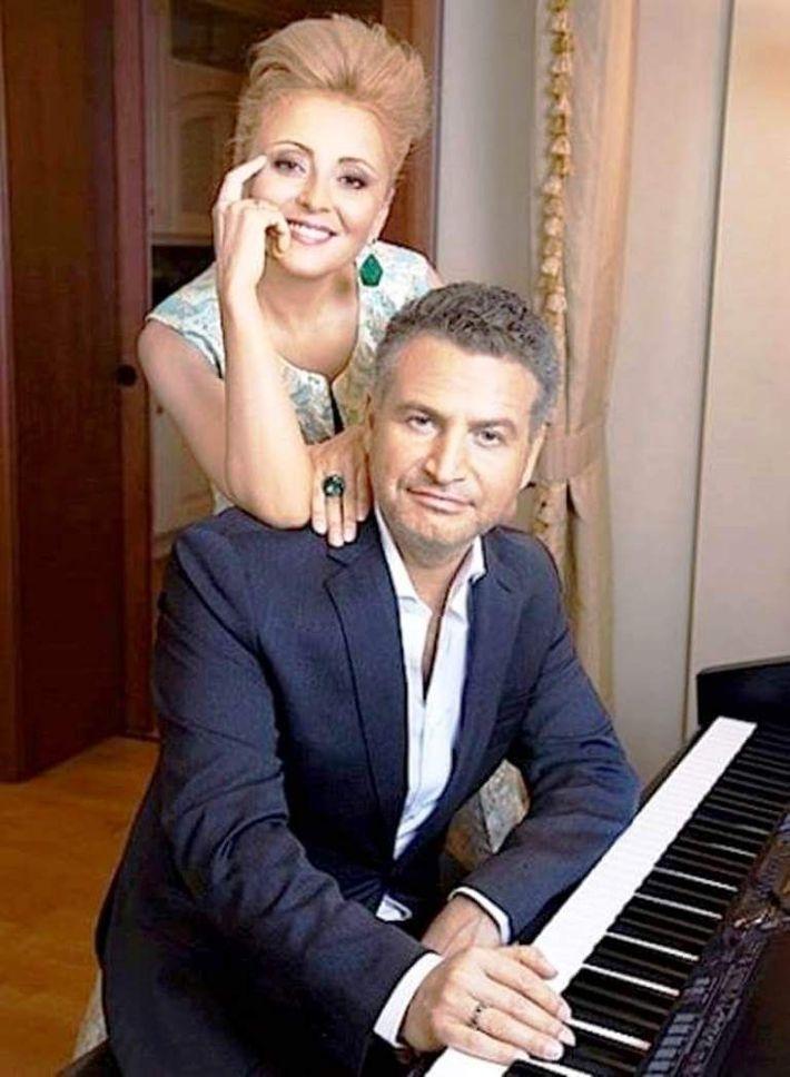 Большой дом Леонида Агутина и Анжелики Варум в классическом стиле