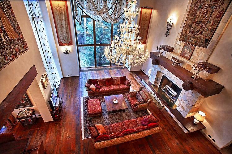 Шикарный дом Алсу на Рублевке в классическом стиле