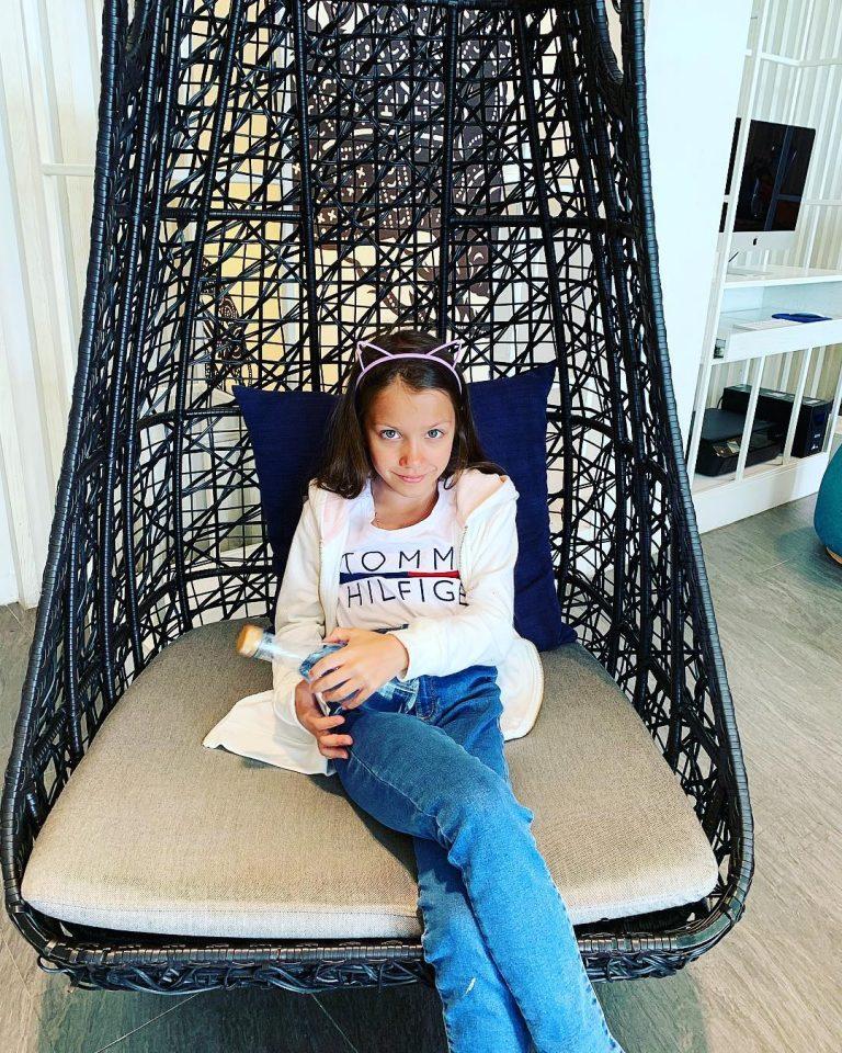 Где живет юная блогерша Вики Шоу?