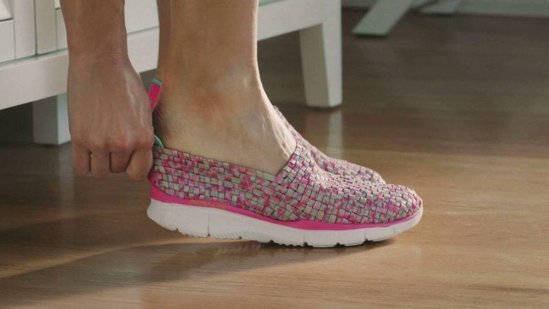 Как растянуть и увеличить новую обувь в размере?
