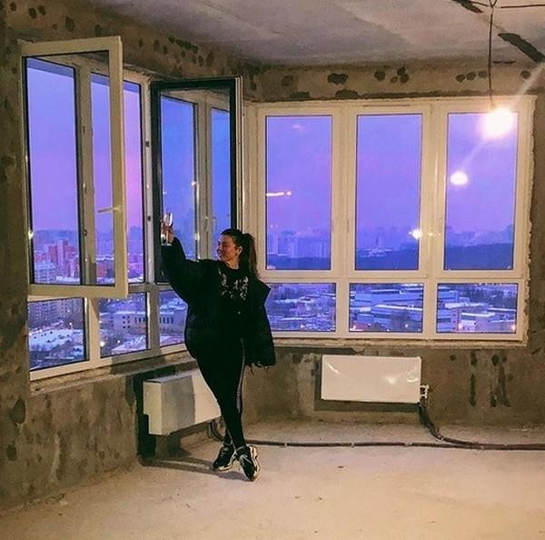 Новая огромная квартира Анны Седоковой в центре Москвы, купленная в ипотеку