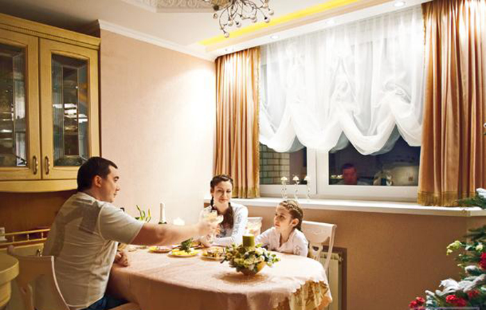 Скромные апартаменты главной Маргариты российского кинематографа Анны Ковальчук на окраине Петербурга