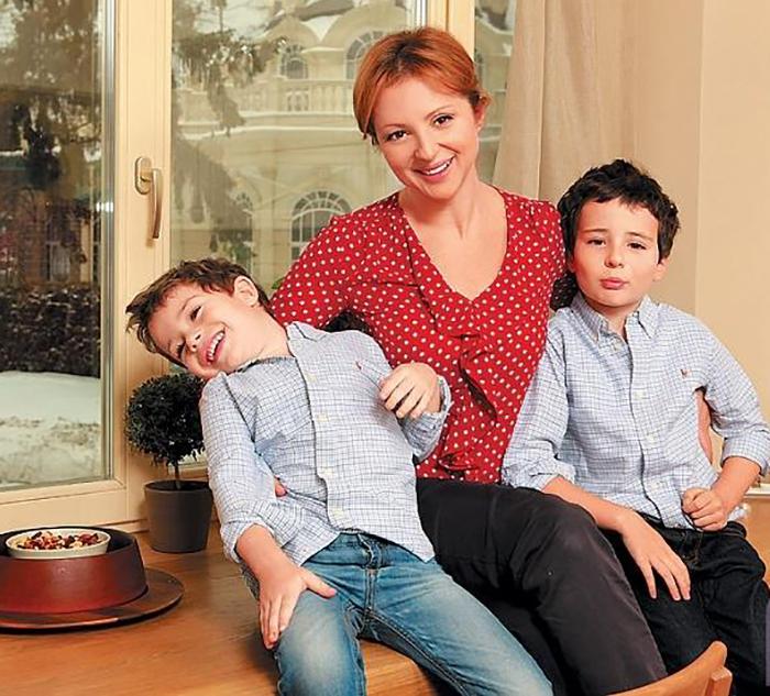 Столичная квартира и райский подмосковный уголок Анны Банщиковой и ее семьи