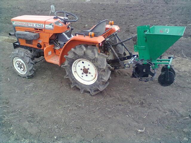 Мини-трактор и преимущества его использования