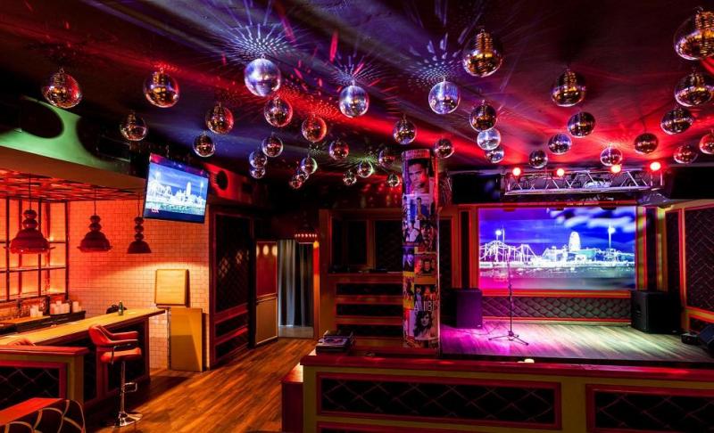 Караоке ночной клуб ночь ночной клуб голые девки видео