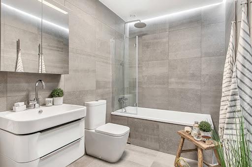 Как выбрать душевую шторку для ванны