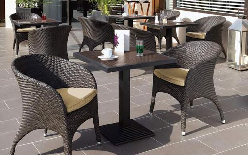 Мебель для кафе, ресторанов и баров: какая она?