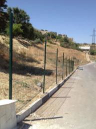 забор из прутьев